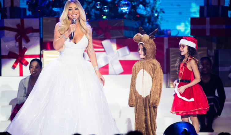 All I Want For Christmas Is You Mariah Carey.Mariah Carey S All I Want For Christmas Is You Tour Arrives